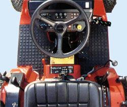 Das bedienerfreundliche Cockpit ist komfortabel und erleichtert das steuern.