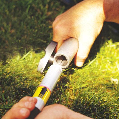 Schnellkupplung mit Knebelschraube  Die Schnellkupplung ermöglicht es, das KombiSystem schnell und ohne Werkzeug in zwei transport- und lagerfreundliche Teile zu trennen und wieder zusammenzubauen. (Abb. ähnlich)