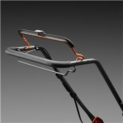 Ergonomische Griffstange Ergonomischer Winkel des Lenkers in Kombination mit leicht zu erreichenden Bügelarmen macht die Bedienung einfach.