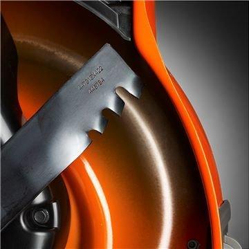 Die CrownCut Messer heben das Schneideergebnis beim Mähen auf ein neues Level. Durch das innovative Design wird das Gras optimal gesammelt oder gemulcht.