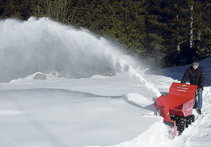 Einsatz mit der optionalen Schneefräse
