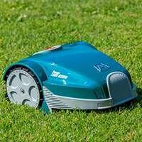 Dreiecksform  mit der Dreiecksform arbeitet der Roboter perfekt in komplexen Gärten mit Hecken, Beeten und Teichen