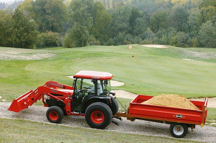 Optional:  Frontlader mit verschieden Werkzeuge  Übrigens, Sie erhalten für jeden KUBOTA Traktor optional einen Frontlader (auch für den kleinsten mit 12PS)