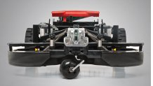 MÄHDECK SCHWIMMEND AUFGEHÄNGT Die Loopo Mähroboter der S-Serie erfassen fehlerfrei jedes Gelände und mähen daher äußerst präzise.