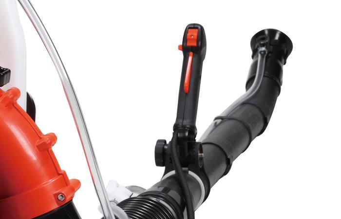 einfache Bedienung -  Der ergonomisch angebrachte Gasgriff sorgt für hervorragende Bedienbarbkeit.