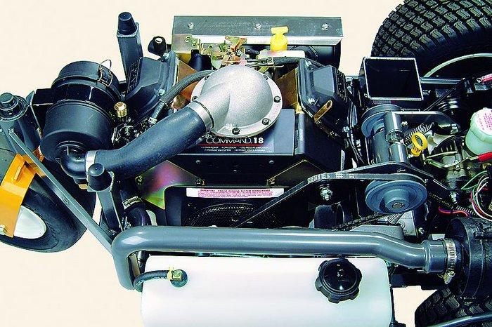 Die leistungsstarke Antriebseinheit - der Kohler OHC 2-Zylinder sorgt für ausreichend Kraftreserven.