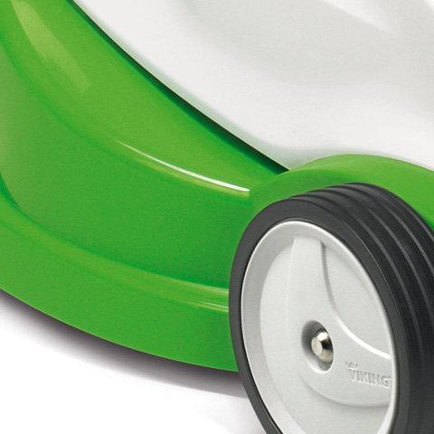 Polymergehäuse  Die einschaligen Gehäuse der VIKING Rasenmäher und Vertikutierer sind aus hochwertigem, schlagzähem, hitze- und UV-beständigem Polymer.