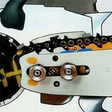 Ematic-Kettenschmiersystem: Das STIHL Ematic-System besteht aus Ematic-Führungsschiene, Oilomatic-Sägekette und mengenregulierbarer bzw. fördermengenreduzierter Ölpumpe. Die spezielle Konstruktion von Schiene und Kette bewirkt, dass jeder Tropfen Kettenöl dorthin gelangt, wo er zur Schmierung gebraucht wird. Der Ölverbrauch kann so um bis zu 50% reduziert werden.