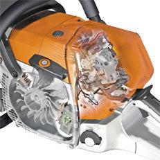 STIHL M-Tronic (M)  M-Tronic steht für einfaches Starten mit wenigen Anwerfhüben und ohne Umschalten. Das vollelektronische Motormanagement mit Memoryfunktion regelt den Zündzeitpunkt und die Kraftstoffdosierung. Durch die Kalt-/Warmstarterkennung sorgt M-Tronic stets für optimale Motorleistung, konstante Höchstdrehzahl und sehr gutes Beschleunigungsverhalten. (Abb. ähnlich)