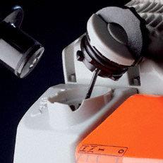 Werkzeugloser Tankverschluss: Patentierte Spezialverschlüsse für Kraftstoff- und Öltank. Die Tanks der damit ausgestatteten Motorgeräte lassen sich schnell, ohne Kraftaufwand und ohne Werkzeug öffnen und wieder verschliessen.