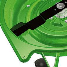 Fangleitsystem: Das Fangleitsystem zu beiden Seiten des Mähwerks erfasst auch Gräser am Rand und führt sie den Messern zu.