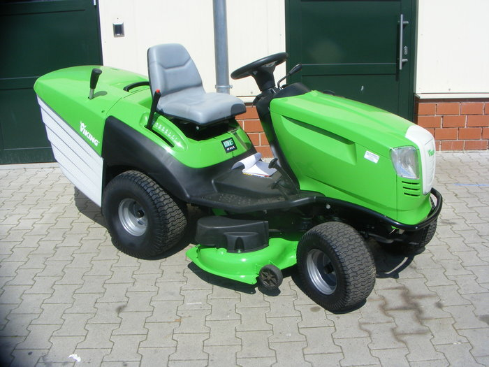 Gebrauchte                                          Aufsitzmäher:                     Viking - MT 6112 ZL (gebraucht)