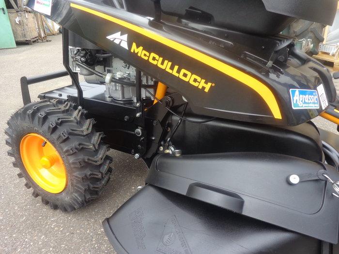 Mit Extra-Equipment - Gelände-Traktionsbereifung stellt der MowCart auch auf unwegsamem Terrain und am Berg Stärke und Durchsetzungsqualität unter Beweis