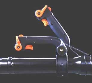 Ein weiteres Detail für die komfortable Bedienung des ECHO-Bläsers PB-655 ist der einstellbare Griff.  Alle wichtigen Funktionen wie Gashebel, Start- und Stopschalter sind ergonomisch am Führungsgriff angebracht.