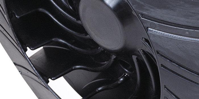Low-Noise-Design -  Die speziell entwickelte Hochleistungsturbine der rückentragbaren Blasgeräte verursacht deutlich weniger Lärm und die optimierte Geräuschentwicklung wird von vielen Anwendern im Arbeitsalltag als deutlich angenehmer und ruhiger empfunden.