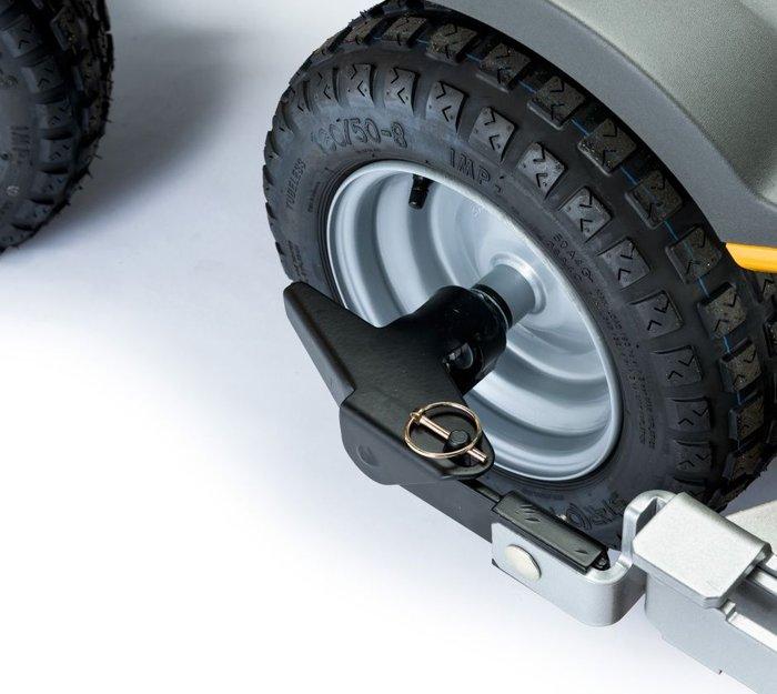 Schnellwechselsystem  Einfacher Gerätewechsel! Mit dem RAC-Schnellwechselsystem können Anbaugeräte im Handumdrehen und mit wenigen Handgriffen gewechselt werden.