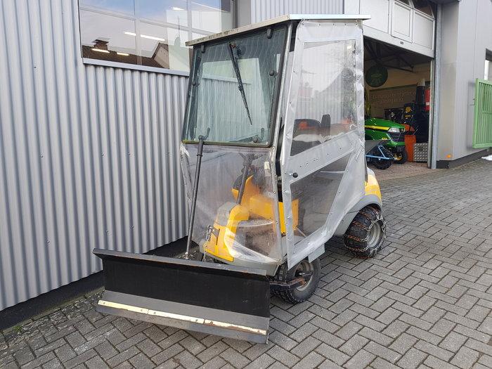 Gebrauchte                                          Aufsitzmäher:                     Stiga - Park Pro Svan 4WD (gebraucht)
