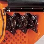 Messer Die Messerachse des Prof IV ist mit 24 Hartstahlmessern ausgerüstet.  Die messerscharfen Schneiden zerschneiden Grünabfall in der Faserrichtung zu kleinsten Stücken. Die Messer können gewendet werden, was ihre Standzeit auf mindestens 120 Einsatzstunden erhöht.