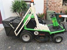 Gebrauchte  Gartentraktoren: Etesia - Profi-Aufsitzrasenmäher 124 DX (gebraucht)