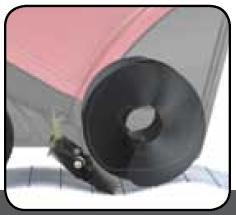 Drehbarer Abstreifer  Mit einem innovativen, einstellbaren Abstreifer verliert der Rotor nicht den Kontakt mit der zu räumenden Untergrund; dies vereinfacht und beschleunigt das Arbeiten.