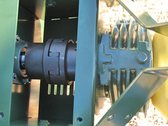 Antrieb mit Übersetzungsgetriebe und elastischer Kupplung