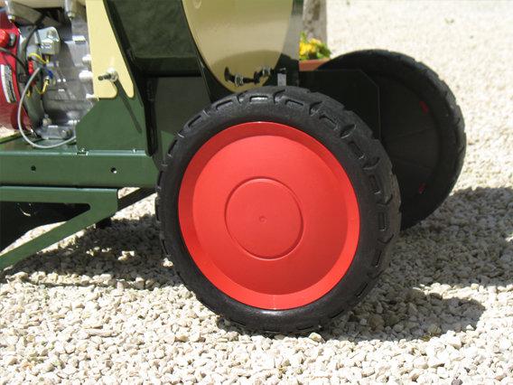 Großdimensionierte Transporträder sorgen für komfortables und sicheres bewegen und rangieren