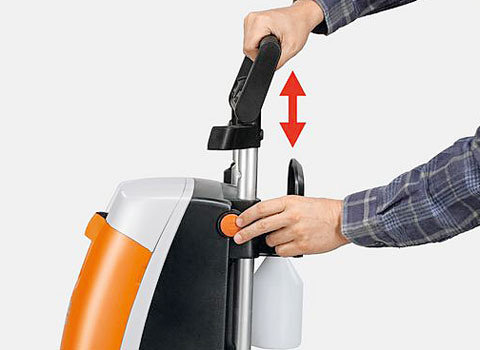 Rotordüse  Die Rotordüse sorgt für geballte Reinigungskraft mit hoher Flächenleistung. Sie versetzt einen kraftvollen Punktstrahl in schnelle Wirbelbewegung. (Abb. ähnlich).