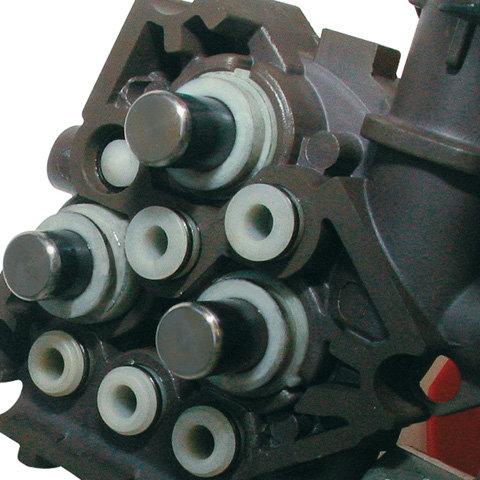 Keramikbeschichtete Kolben  Keramikbeschichtete Kolben machen die Pumpe sehr robust und sorgen für eine hohe Lebensdauer. (Abb. ähnlich)