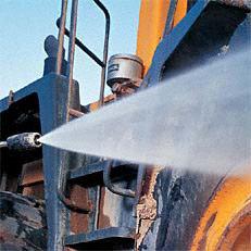 Flachstrahldüse, Druck verstellbar: Mit der serienmäßigen Flachstrahldüse mit Druckverstellung werden größere Flächen schnell und effektiv gereinigt (Abb. ähnlich).