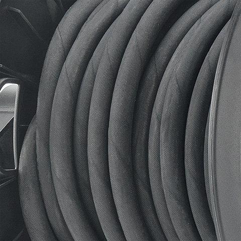 Stahlgewebeverstärkter Hochdruckschlauch  Der mit Stahlgewebe verstärkte Hochdruckschlauch ist sehr robust und auch für den Einsatz unter härtesten Bedingungen ideal. (Abb. ähnlich)