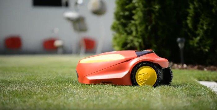 Mähroboter:                     Wolf-Garten - ROBO SCOOTER® 3000