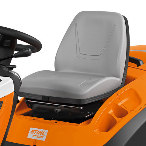 Gefederter und verstellbarer Sitz Die perfekte Sitzposition lässt sich werkzeuglos einstellen. So ist eine individuelle Anpassung des Fahrersitzes an fast jede Körpergröße möglich.