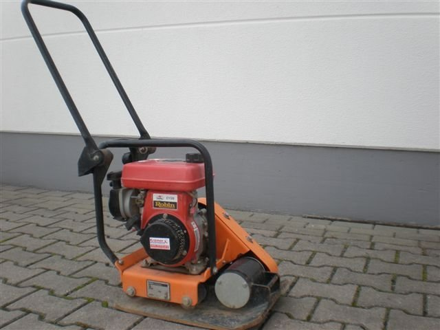 Mieten                                          Rüttelplatten:                     RAVI - Rüttelplatte RVP 9 BR (mieten)