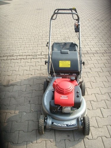 Gebrauchte                                          Benzinrasenmäher:                     Honda - Rasenmäher Honda HRD536HX (gebraucht)