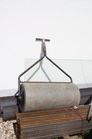 Mieten  Bodenbearbeitung: Rasenwalze - Rasenwalze 1m breit (mieten)