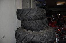 Gebrauchte  Kommunaltraktoren: Case - Reifen 420/85R30 + 375/75R20 (gebraucht)