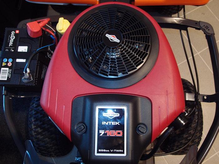 V2-Zylinder Intek-Motor von Briggs & Stratton mit 17,4 PS bei 3100 U/min