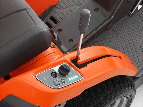 Leicht zugängliche Bedienelemente Die Bedienelemente sind leicht zugänglich angeordnet und ermöglichen so komfortables Arbeiten.
