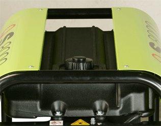 Ein sicherer und leicht zugänglicher Großtank erlaubt ein unterbrechungsfreies Arbeiten von einem Arbeitstag.
