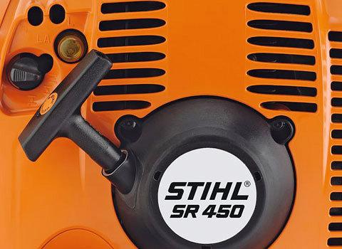 Einfache Startlogik  Einfaches und schnelles Starten durch automatische Startgas-Stellung des Schalters, einmalige Choke-Bedienung und Purger. (Abb. ähnlich)