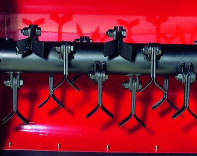 Robuste Messerwelle mit 12 pendelnd aufgehängten Y-Messern
