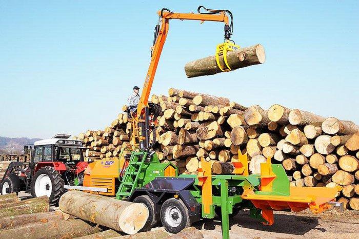 Holzspalter:                     Posch - SplitMaster 55 PZG mit Kran