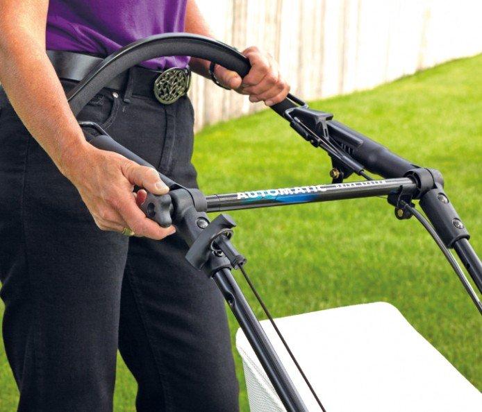 Einfach verstellbare Bügel: Mit ein paar Umdrehungen werden Bügel auf jede Bedienergröße eingestellt, ohne Werkzeuge oder Kraftaufwand.