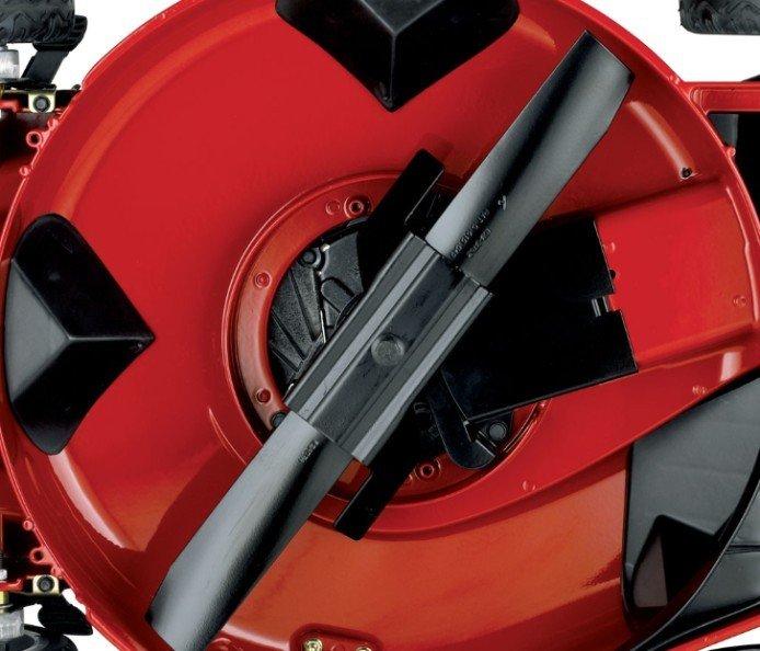 Gussaluminium-Mähwerk  Haltbares, rostfreies Gussaluminium-Mähwerk kann ohne Werkzeuge zu Mulchen, Seitauswurf oder Heckauswurf umgerüstet werden.