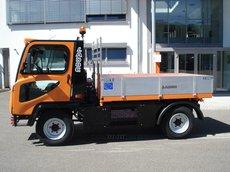 "Kommunalfahrzeuge: Ladog - T-1700 ""der kraftvolle Geräteträger"""