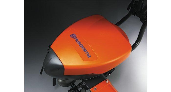 Leistungsstarker Akku Der kräftige Akku verhilft der Motorhacke zu einer Leistung, die der von benzingetriebenen Motorhacken gleicht.