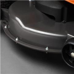 Verstärktes Mähdeck Das verstärkte und pulverbeschichtete Schneidwerk bietet mehr Festigkeit und Korrosionswiderstand.