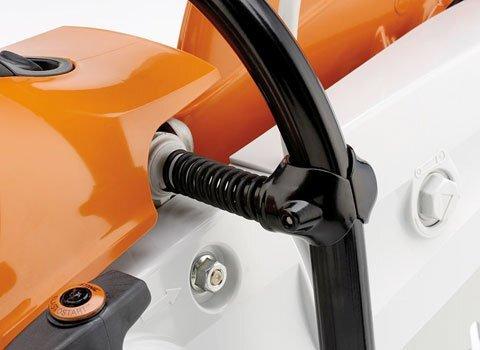 Pufferelemente reduzieren die Übertragung von Motorschwingungen auf Hände und Arme. Dies schont Kräfte beim Freihandschneiden. (Abb. ähnlich)
