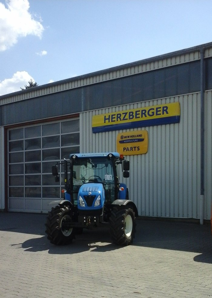 Traktoren:                     New Holland - Traktor 65 Ps von New Holland T4.65 S