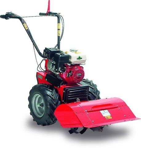 Umfangreiches Zubehör zur Bodenbearbeitung erhältlich.